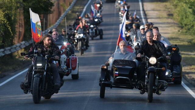 Putin na czele kolumny Nocnych Wilków