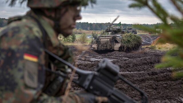 """""""Często mniej niż połowa"""" sprawnych czołgów, samolotów. Bundeswehra w katastrofalnym stanie"""