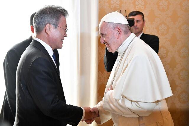 Papież gotowy odwiedzić Koreę Północną.