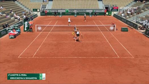 Linette i Pera przełamane w 5. gemie 1. seta półfinału French Open