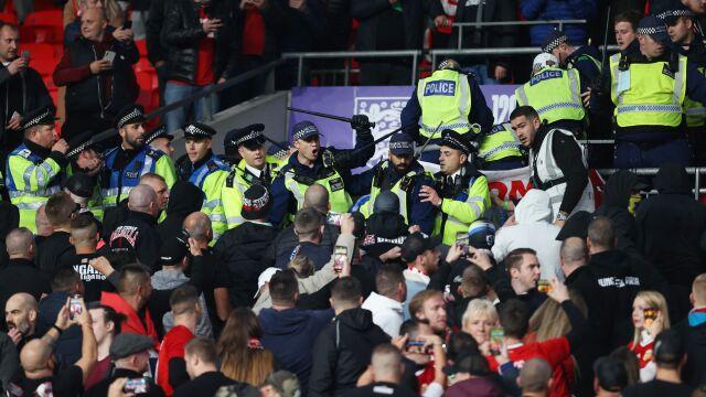 """Wpadka Anglików, zamieszki na trybunach. """"Noc przemocy na Wembley"""""""