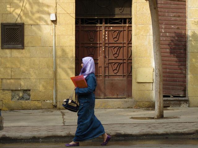 Stewardessy w hidżabach, bo same chciały