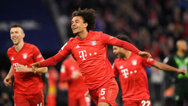 18-latek znów uratował Bayern. Cenna asysta Lewandowskiego