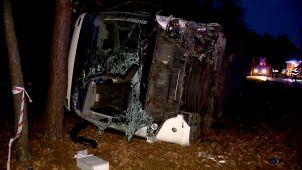 Samochód wypadł z pasa i uderzył  w autobus. Kierowca nie przeżył