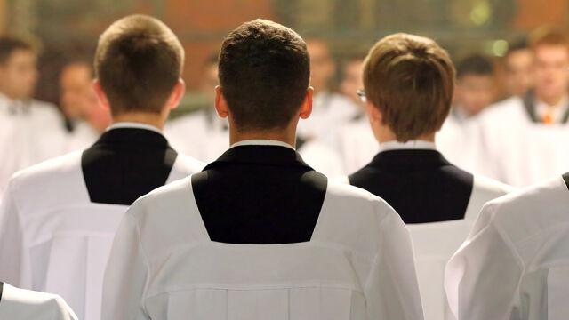 Wraca idea viri probati. Kościół zastanawia się nad wyświęcaniem żonatych