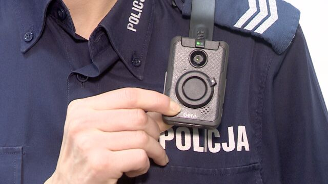 """""""Interwencja będzie nagrywana"""". Policjanci z kamerami na mundurach"""