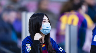Barcelona sprowadziła 30 tysięcy masek ochronnych