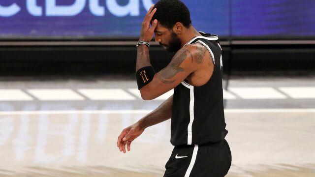 """Twierdzi, że """"Ziemia jest płaska"""". Gwiazdor NBA zniknął po ataku na Kapitol"""