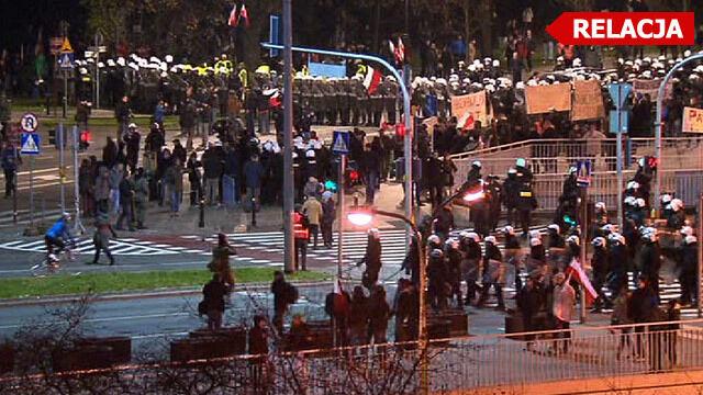 """Zdelegalizowany """"Marsz Niepodległości"""" dotarł do mety"""
