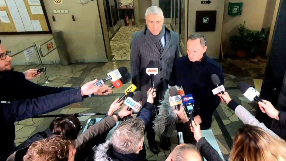 """Pozycja premiera Morawieckiego w związku  z aferą KNF. Sondaż dla """"Faktów"""" TVN i TVN24"""