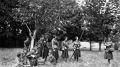 """Album """"100x100"""": Obóz przysposobienia kobiet w Istebnej (sygn. 1-W-2516-4) - 407 polubień"""