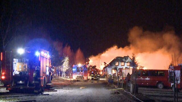 Potężny pożar pod Koninem. Skansen doszczętnie spłonął