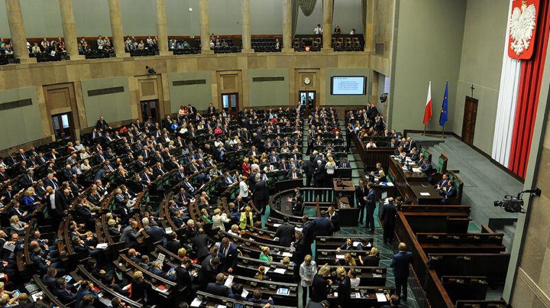 Głosowanie nad projektem ustawy dotyczącej całkowitego zakazu aborcji
