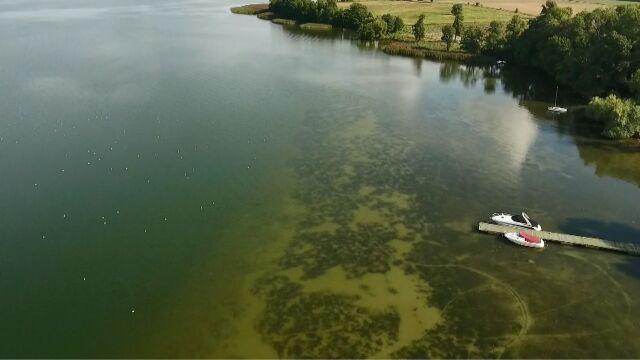 Czwarty dzień przeczesują jezioro. Prokuratura wszczyna śledztwo ws. wypadku producenta filmowego