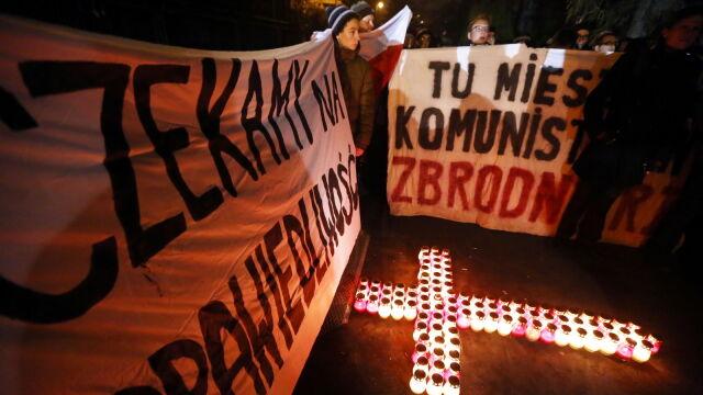 Kilkaset osób demonstrowało przed domem generała Jaruzelskiego