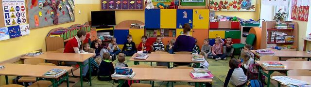 Sześciolatki w Senacie. Osiem godzin debaty o cofnięciu obowiązku szkolnego