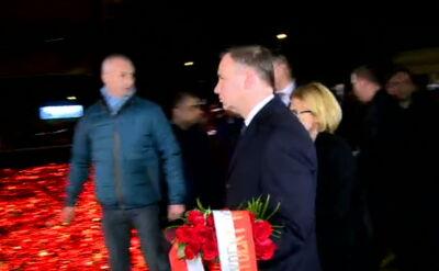 Prezydent Duda rozpoczął wizytę w Rumunii od złożenia kwiatów (wideo bez dźwięku)