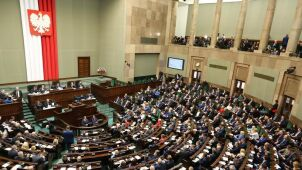 Nowa ustawa o TK trafi do komisji