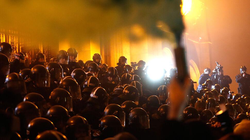 """""""Nie będziemy niewolnikami"""", """"mamy dość"""". Kolejny dzień protestów w Budapeszcie"""