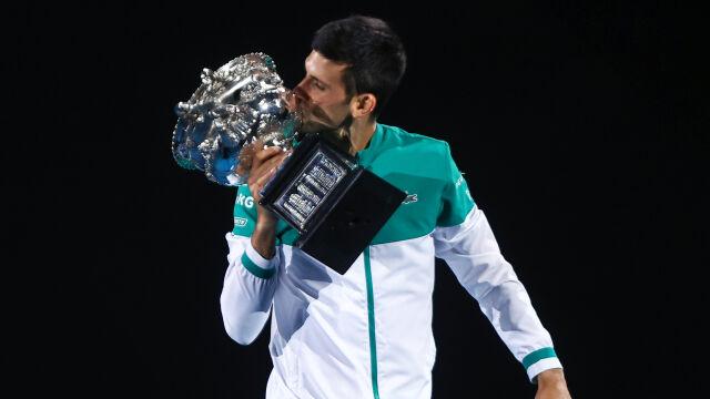 Król Australian Open jest jeden. 18. tytuł wielkoszlemowy Djokovicia