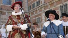 Prezydent miasta Paweł Adamowicz podczas uroczystego otwarcia Jarmarku św. Dominika na scenie pod Zieloną Bramą w Gdańsku