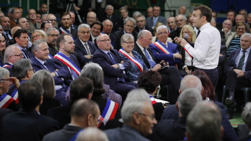 """""""Nie będzie tematów tabu"""".  Macron rozpoczyna debatę narodową"""