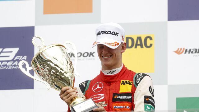 """Mick Schumacher podpisał kontrakt z akademią Ferrari. """"Wybrany dzięki wielkiemu talentowi"""""""