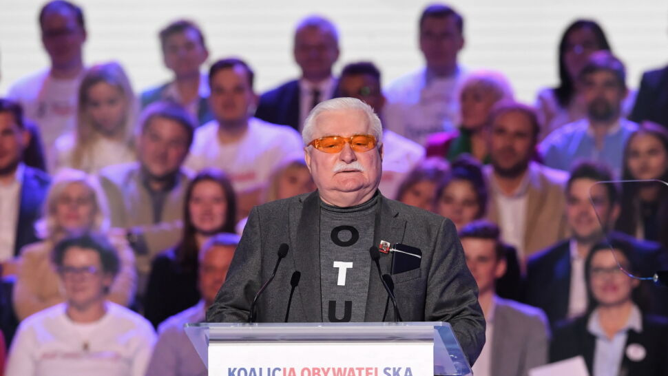 Lech Wałęsa na konwencji wyborczej Koalicji Obywatelskiej