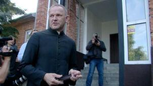 """Ks. Lemański zostanie kapelanem ośrodka w Zagórzu. Do Jasienicy nie wróci. """"Nie ma odwołania"""""""