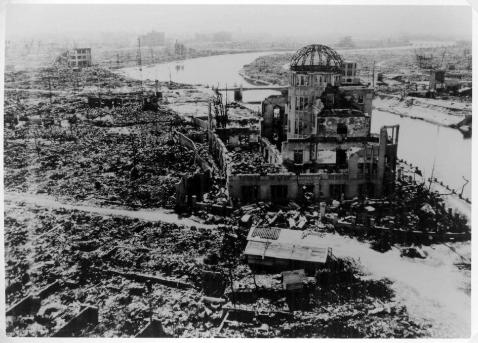 Kopuła Bomby Atomowej dziś Pomnik Pokoju, jeden z niewielu budynków, który nie uległ całkowitemu zniszczeniu
