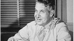 Generał Leslie R. Groves, odpowiedzialny za Manhattan Project