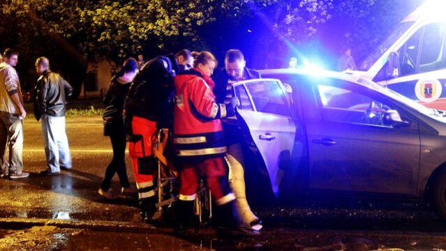 W wypadku ucierpiało dwoje policjantów