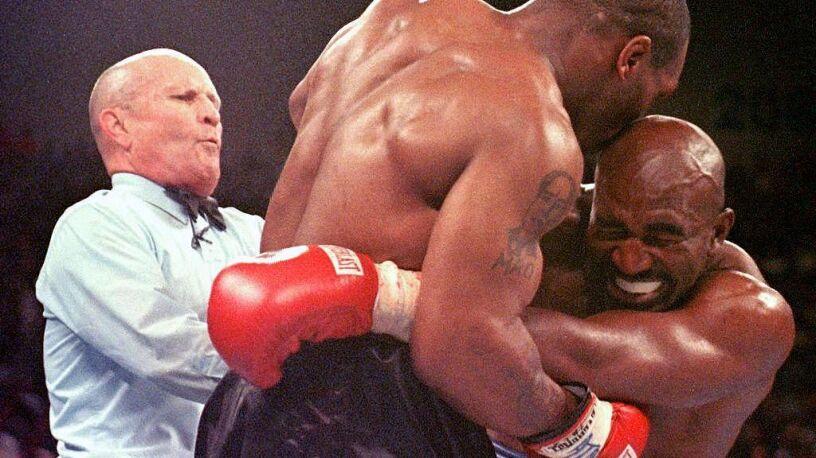 Tyson wbił się zębami w jego ucho. Bankruci chcą trzeciej wojny