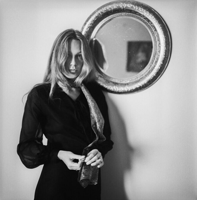 Aktorka Małgorzata Braunek w swoim mieszkaniu, 1970 r.
