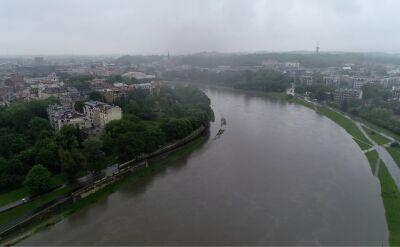 W Krakowie w czwartek przekroczony został stan alarmowy Wisły
