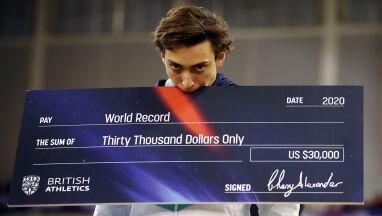 Centymetr po centymetrze. Duplantis zrobił biznes z bicia rekordów świata