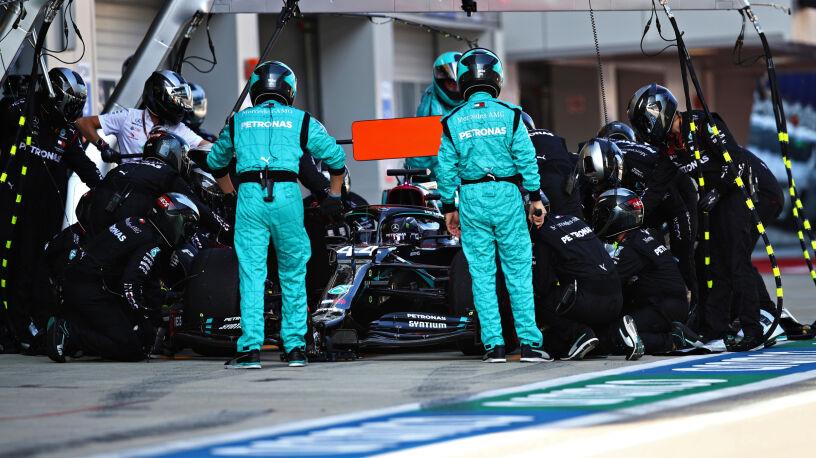 Przepisy zatrzymały Hamiltona. Na rekordowe zwycięstwo jeszcze poczeka