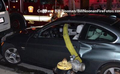 Strażacy zniszczyli BMW by dostać się do hydrantu. Puściły im nerwy czy to standard?