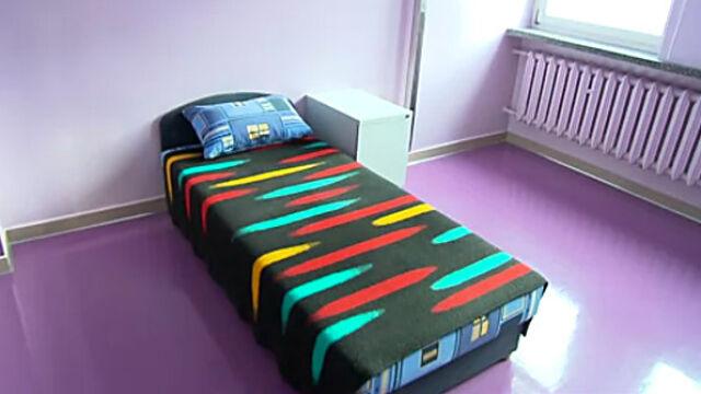 Jedno łóżko warte miliony. Urzędnicy  kłócą się o pieniądze na izolację przestępców