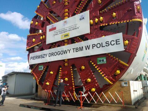 Gigant waży 2200 ton