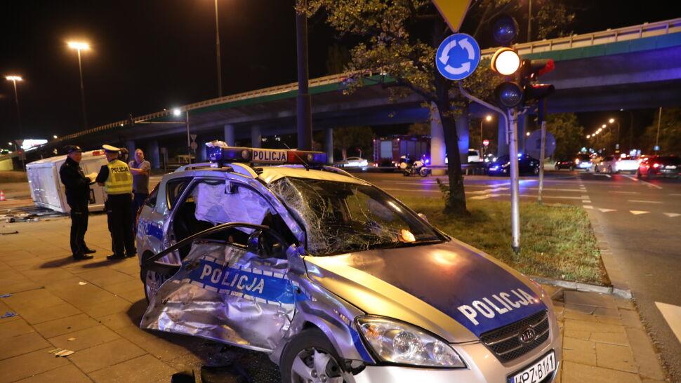 """""""Odbił się, poleciał dalej i uderzył w kobietę"""". Świadek  wypadku radiowozu eskortującego szefa NATO"""