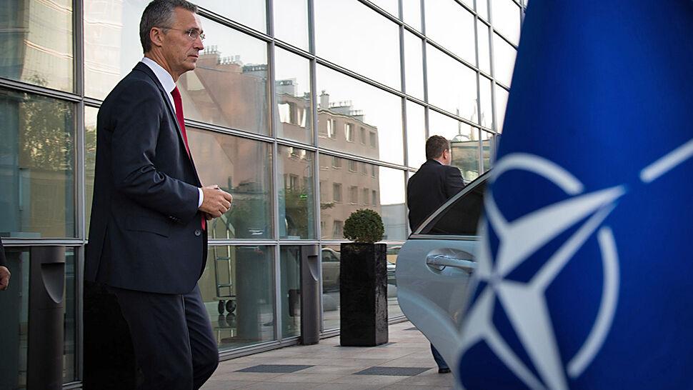 """""""Nie zbliża do celu"""". Szef NATO z dystansem  o traktacie, za którym stoi laureat Nobla"""