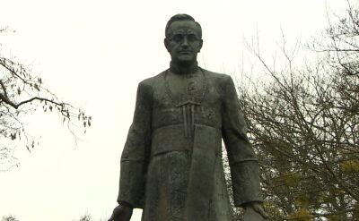 Rada Gdańska pozbawiła księdza Jankowskiego honorowego obywatelstwa. Jego pomnik zostanie usunięty