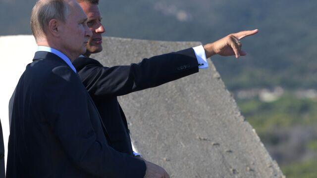 """Emmanuel Macron """"powinien ostrożnie postępować z Moskwą"""""""