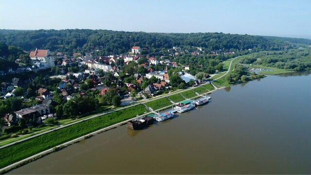 Władze miasta chcą betonowymi płytami wyłożyć lessowy wąwóz w Kazimierzu Dolnym
