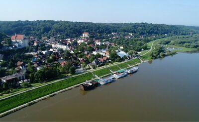 Władze Kazimierza Dolnego chcą wyłożyć lessowy wąwóz betonowymi płytami