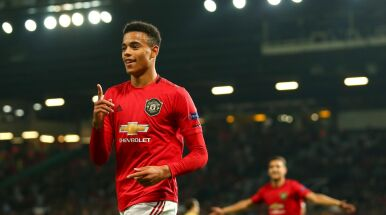 17-latek z pensją 800 funtów przeszedł do historii Manchesteru United