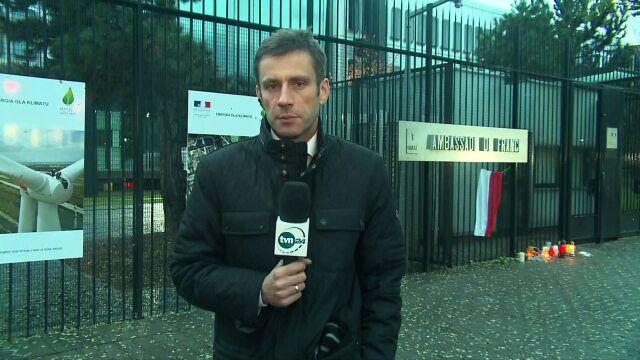 Przed ambasadą Francji pojawiły się znicze