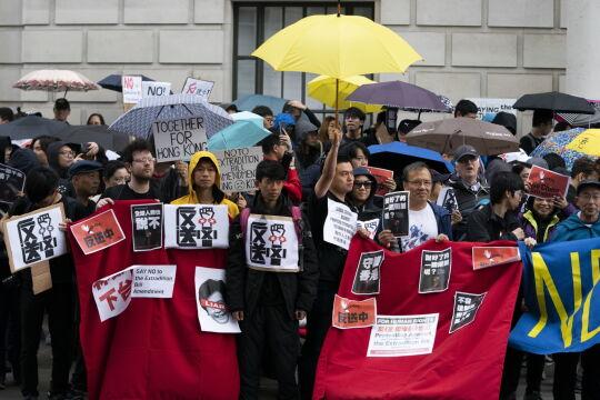 Mieszkańcy Hongkongu wyszli na ulice