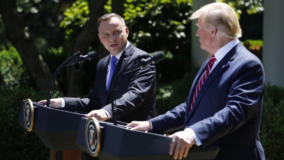 """""""To nas wiąże na całe dziesięciolecia"""".  Co podpisali prezydenci Duda i Trump"""